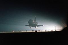 STS-101 - Atlantis atterraggio notturno