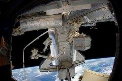 STS-133 Volo finale del Discovery alla SSI