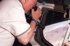 STS-95 - Discovery porta in orbita John Glenn