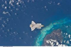 Shuttle vola con la cabina verso la Terra