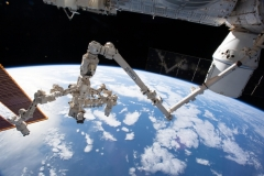 Dragon-attached-to-ISS