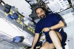 STS-100 Esercizio fisico